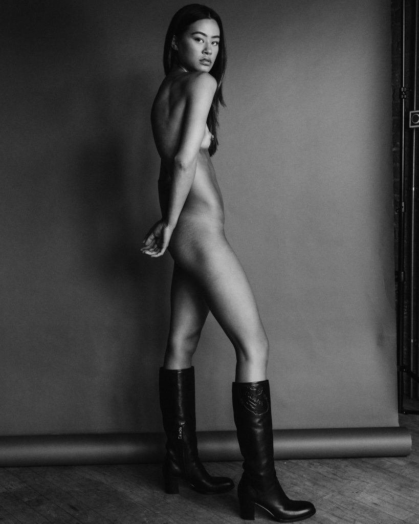 Francesca Wilkinson's Nude in Black and White!
