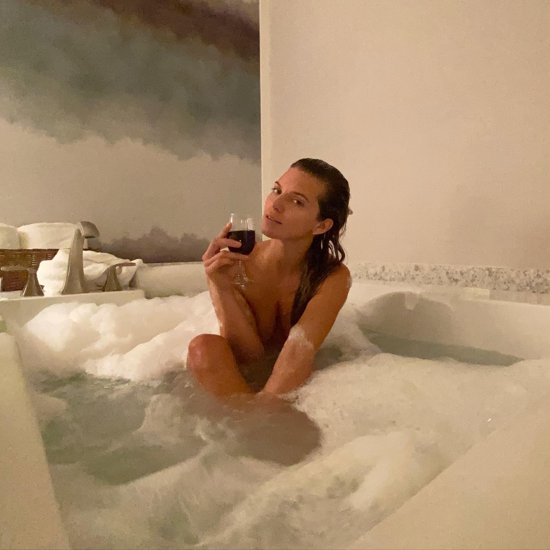 Annalynne McCord Nude Tub