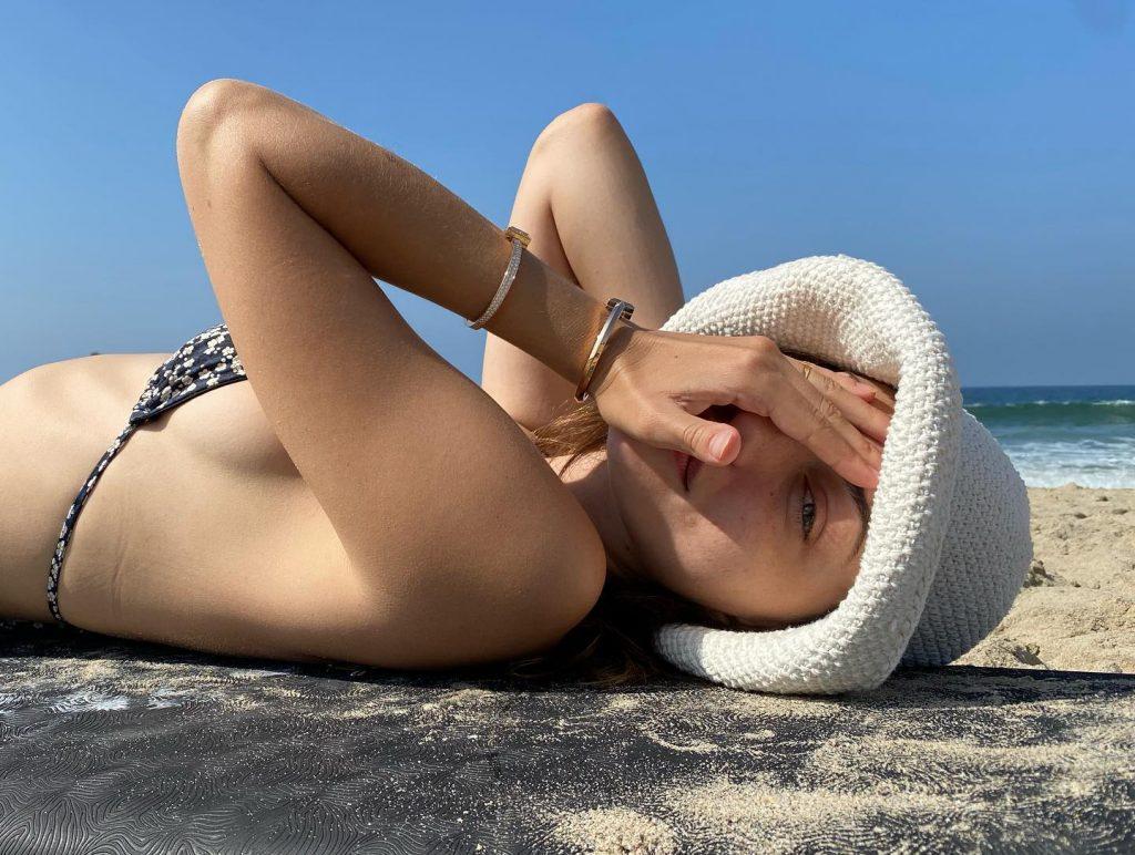 Phoebe Tonkin Side Boob Bikini!