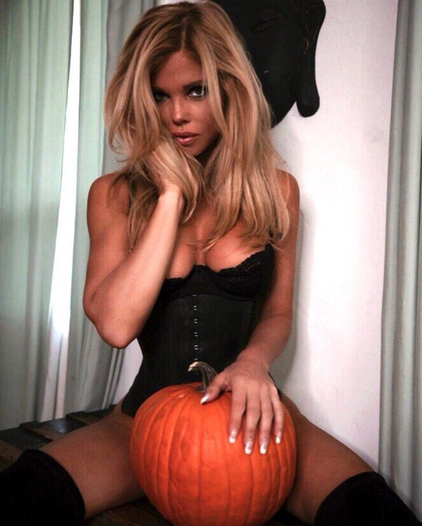 Donna D'Errico Rubbing Down her Pumpkin!