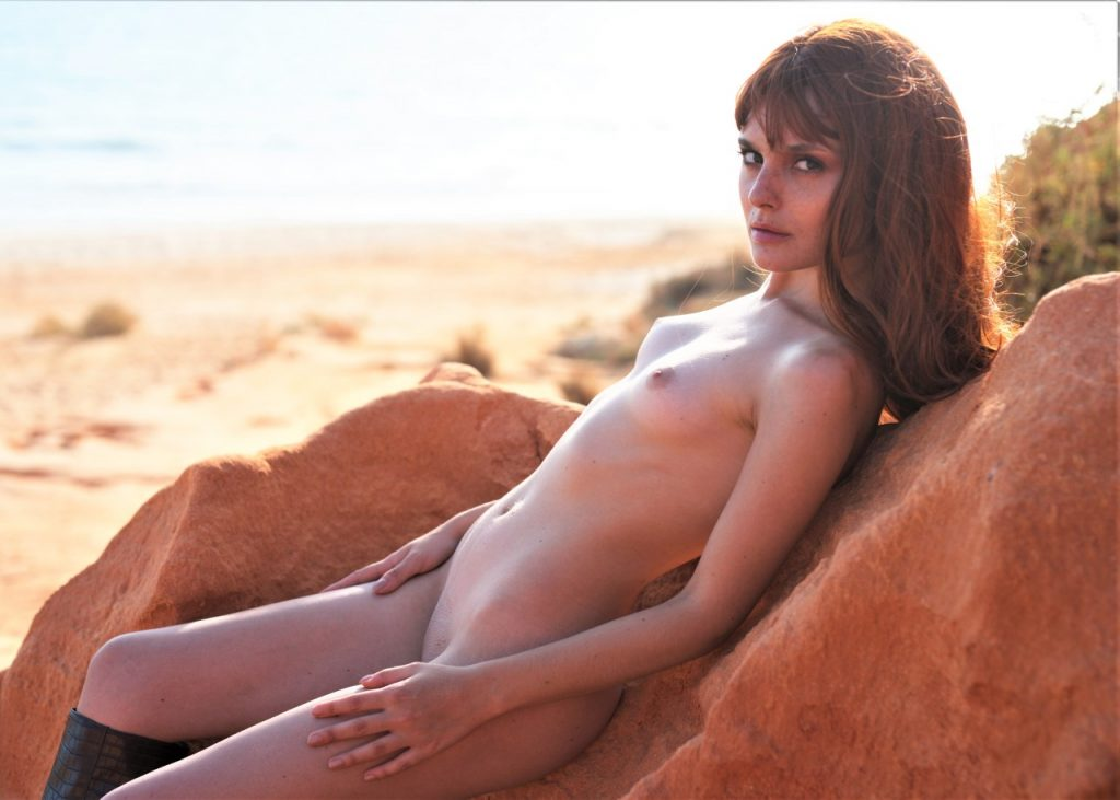 Catarina Correia Naked on Red Rocks!