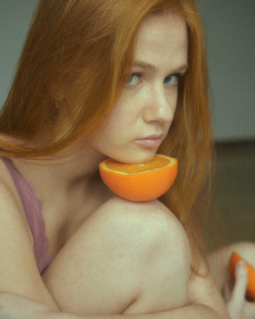Claudia Cifuentes Does Oranges!
