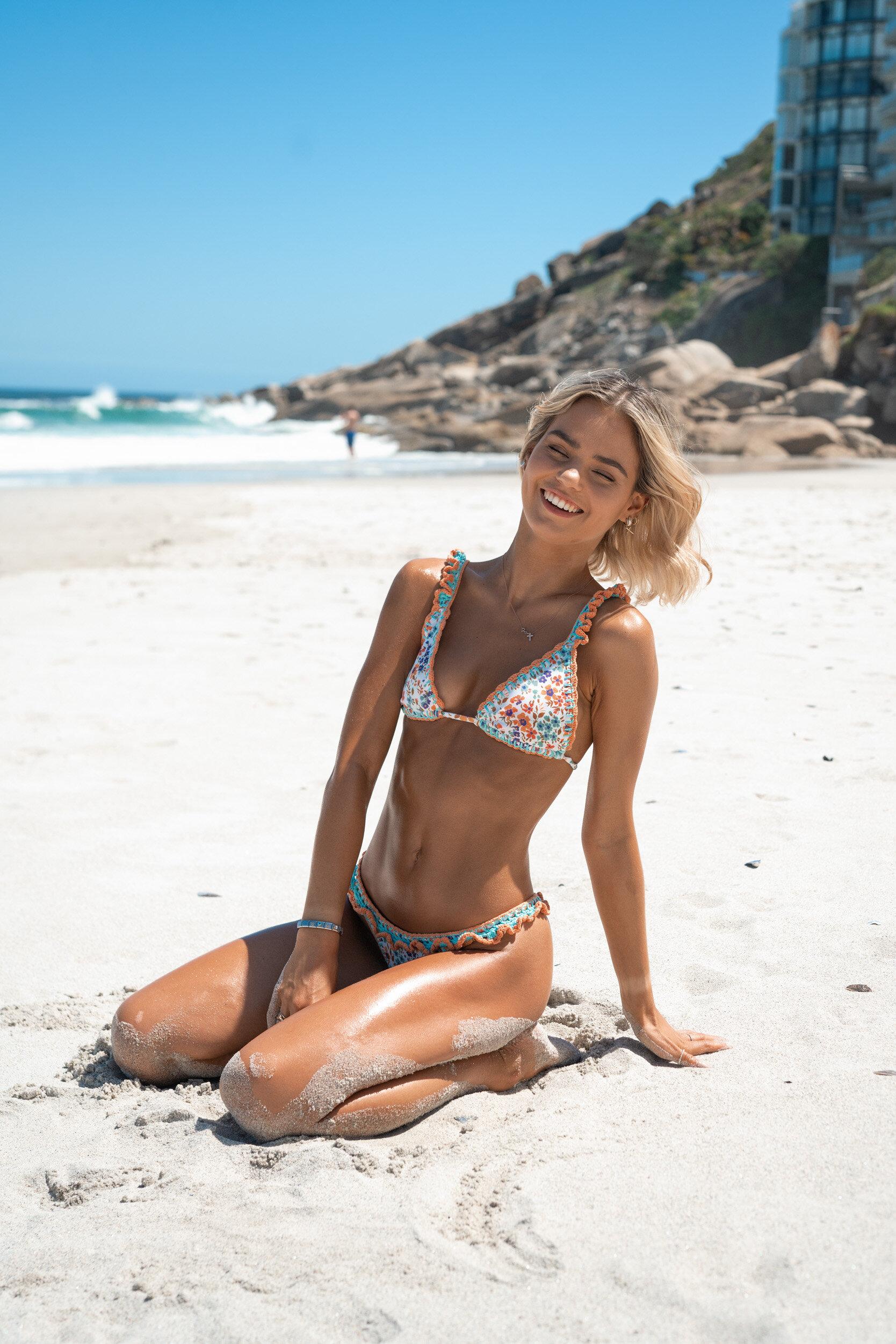 Gabby Larssons Fun Bikini Shoot